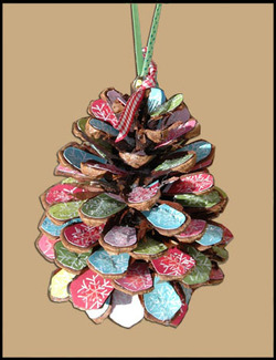 Pinecone_ornament_isolated